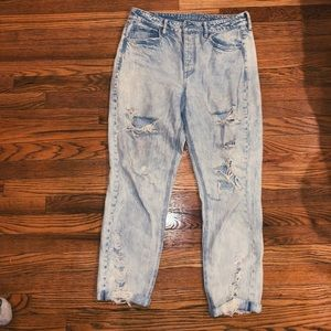 American Eagle High waisted Tomgirl jeans